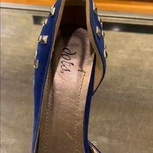 Dots Shoes - Velvet blue heels with silver studs